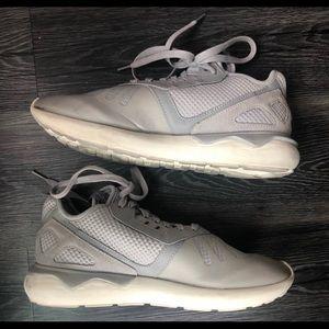 Adidas Tubular Size 9